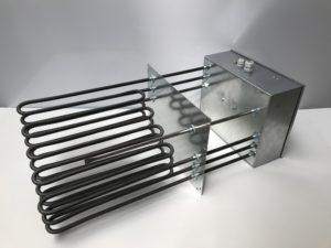 Batterie rectangulaire sans cadre avec éléments chauffants tubulaires blindés et boitier décalé – SCIENTAX