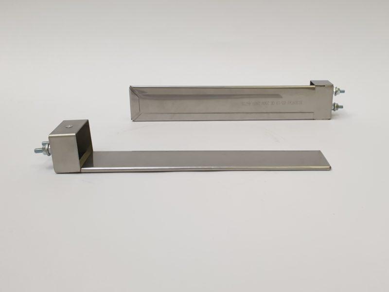 Résistance chauffante plate mica blindé avec sortie par bornes M4 sur boitier – SCIENTAX // Shielded mica flat heating element with M4 terminal output on box - SCIENTAX