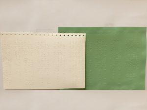 Exemple de réalisation de thermoformage pour la réalisation de document en Braille sur machine SCIENTAX. // Example of thermoforming for the production of Braille documents on a SCIENTAX machine.