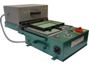 Thermoformeuse utilisé pour la réalisation de document en Braille - SCIENTAX. // Thermoformer used to produce Braille documents - SCIENTAX.